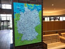 Beispiel Wartebereich mit Deutschlandkarte