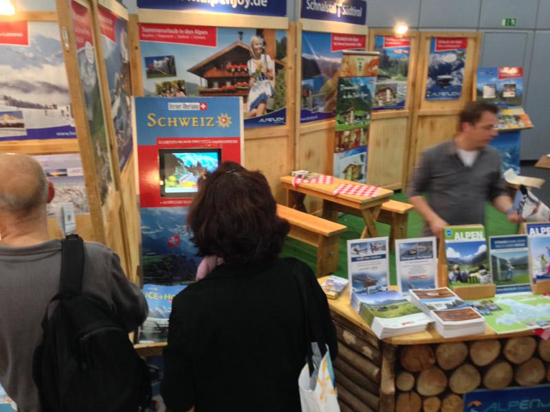 Exklusiver Prospektständer  Hotelier-Verein Berner Oberland auf dem Leipziger Reisemarkt
