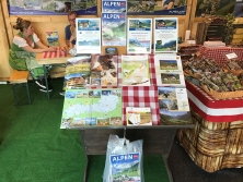 "Messestand ""Urlaub in den Alpen"""