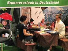 """ALPenjoy-Messestand """"Urlaub in Deutschland"""""""