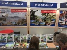 """Prospektpräsentation am Messestand """"Urlaub in Deutschland"""""""