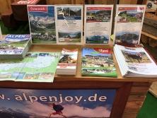Prospektauflage am Alpen-Stand