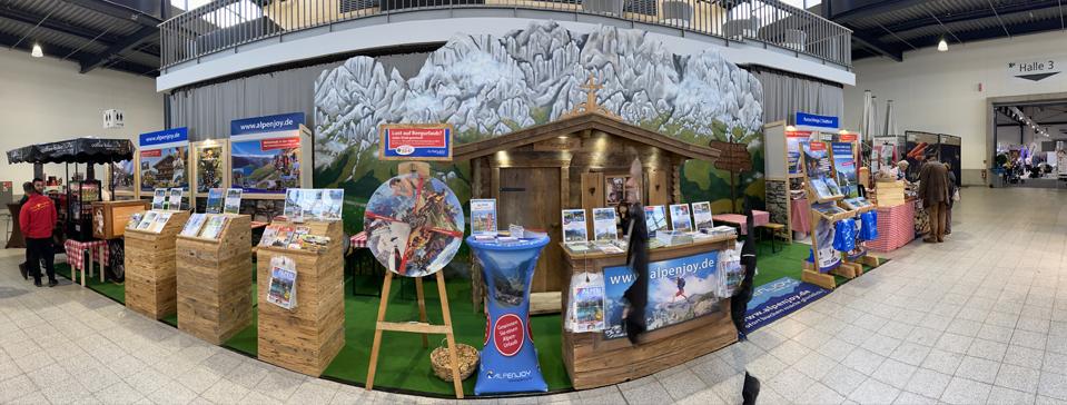 Alpen-Messestand